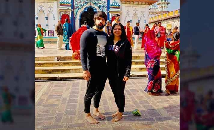 Sakshi Malik, husband Satyawart visits Janaki temple in Nepal, check the pics